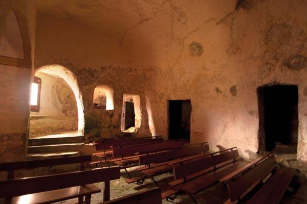 Ermita cueva de Nuestra Señora de la Peña - Faido